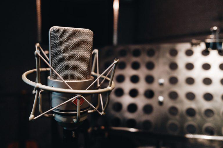 Microphone sound recording room studio